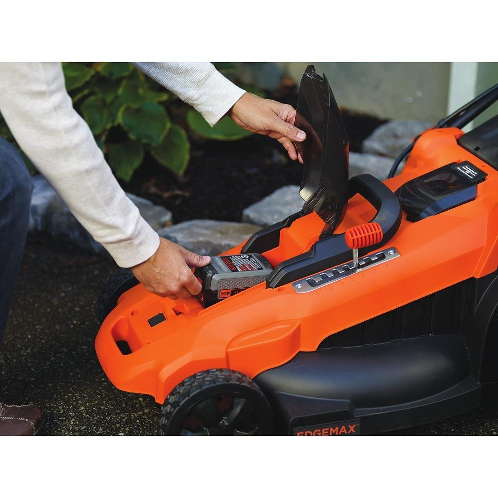 New Black Amp Decker 40v Max Lawn Mower And Brushless String
