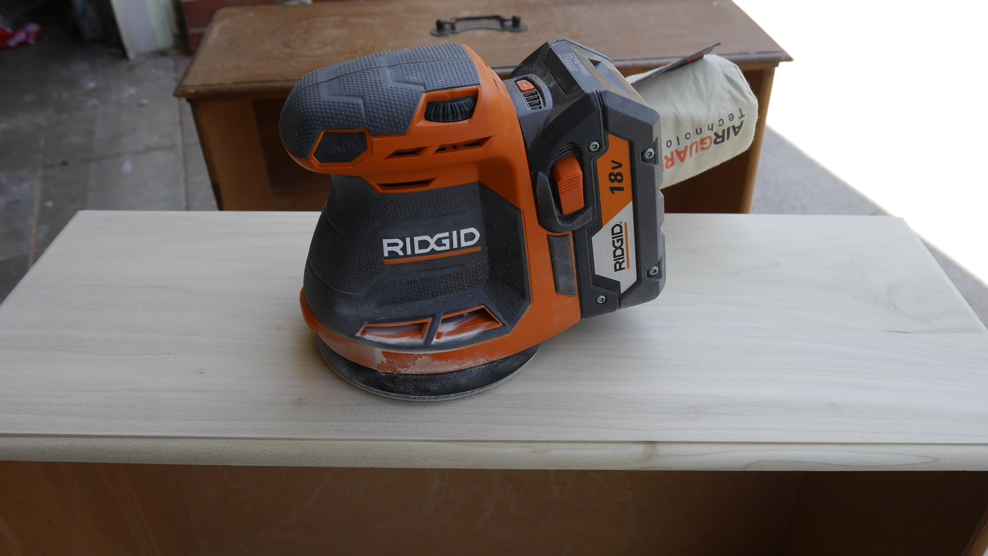New Ridgid 18v X5 Cordless Tools Sander Fan Work