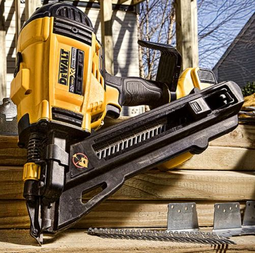 this new dewalt 20v cordless metal connecter nailer dcn693m1 bears a striking resemblance to the 20v framing nailers from before but is designed for driving