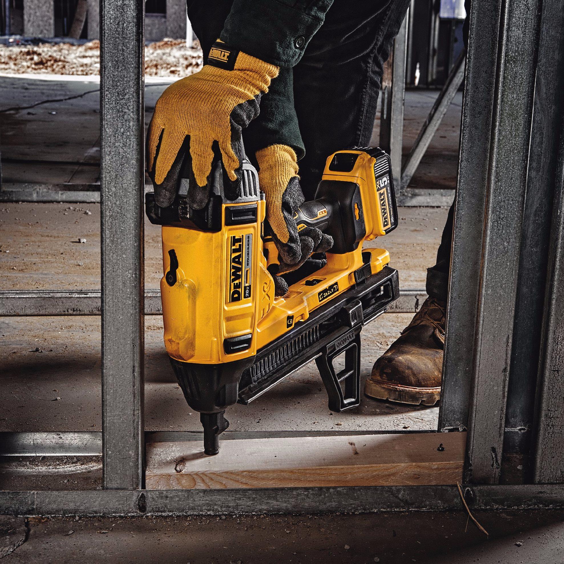 Dewalt 20V XR Concrete Nailer DCN890P2 - Tool Craze