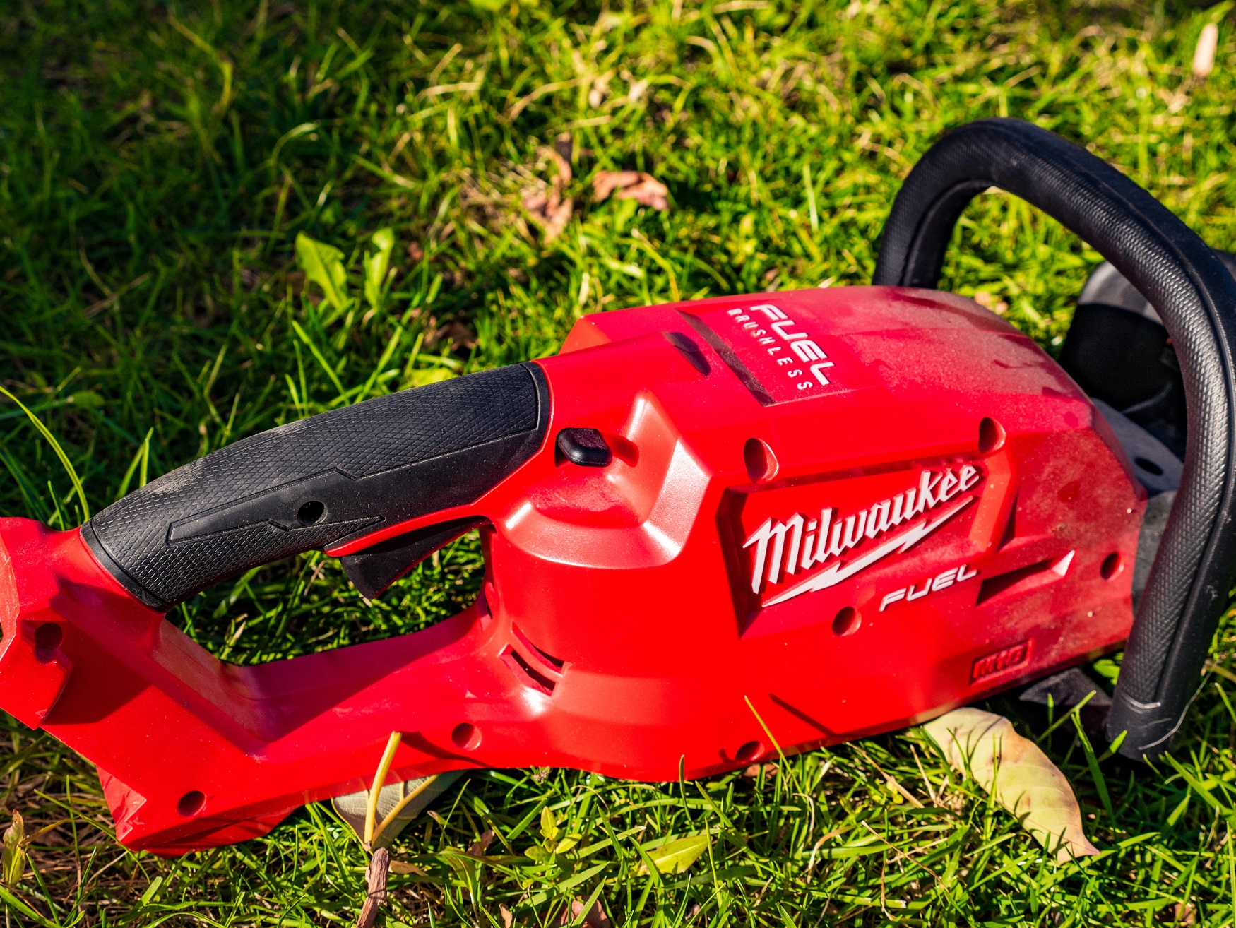 Milwaukee M18 Fuel Hedge Trimmer Review 2726 21HD 2726 20 Tool Craze